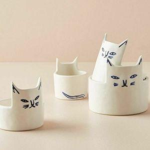 Anthropologie Kaye Blegvad Cat Measuring Cups Set